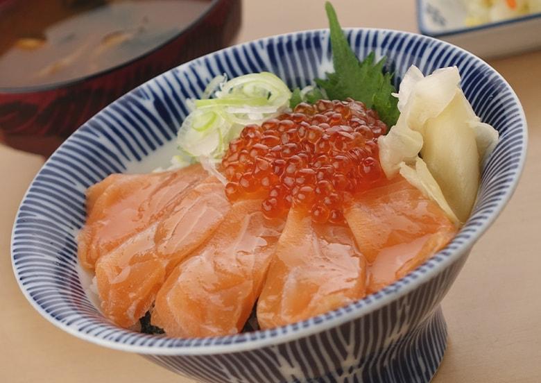 サーモン親子丼