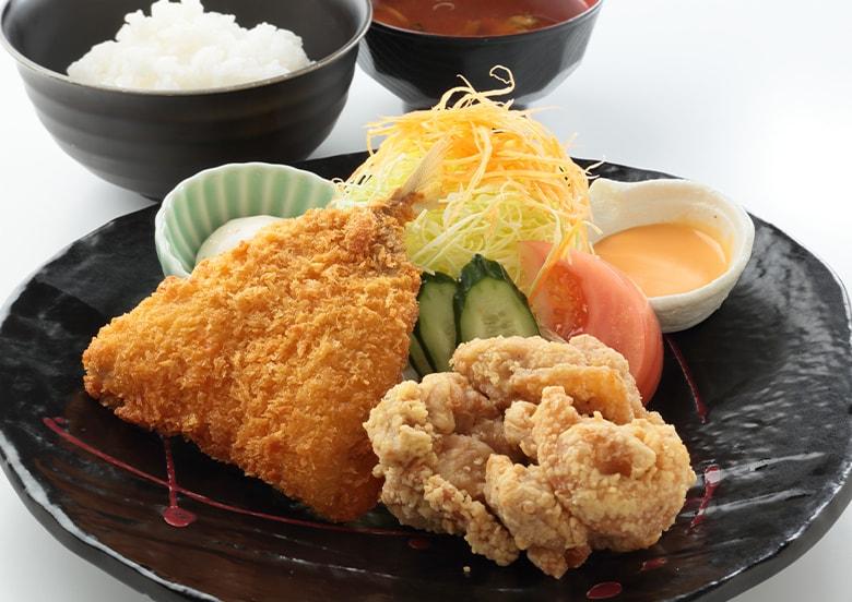 秘伝ダレの鶏の唐揚げ&アジフライ定食